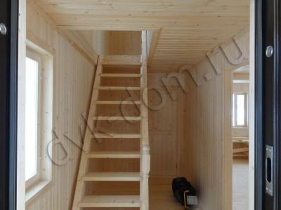 Стандартная Деревянная лестница на второй этаж